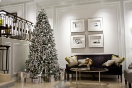 Christmas at Work, reception rooms and lobbies